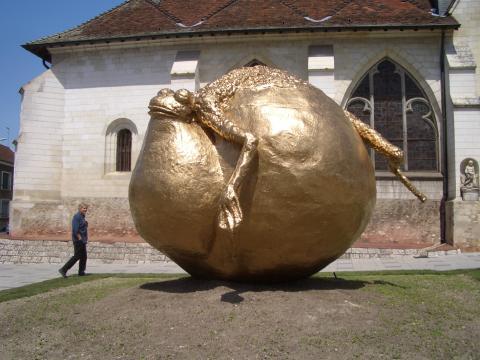 Croassance, Sculpture réalisée en collaboration avec Achille Berthou, Résine, Fibre de verre, Gel Coat, Bois (4,5m x 3,2m x3,5 m)